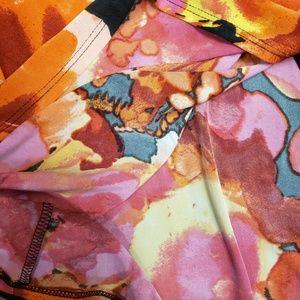 VENUS Skirts - EUC! Venus Floral Maxi Skirt - Sz L.